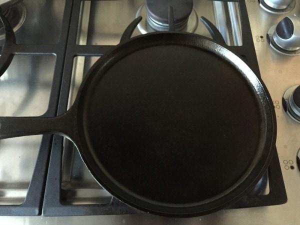 what substances make up an iron pot